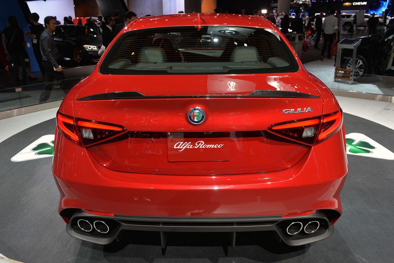 Sexy Italian Gets Her Visa: Alfa Romeo Giulia back on ...